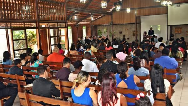 Ceia Mundial da Igreja Cristã Maranata: Participação das igrejas do Brasil - Parte I - galerias/4553/thumbs/042icmbalnearo-carapebusserraes.jpg