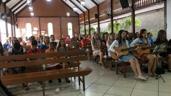 Ceia Mundial da Igreja Cristã Maranata: Participação das igrejas do Brasil - Parte II - galerias/4554/thumbs/364icmsagostinho-voltaredonda-rj.jpg