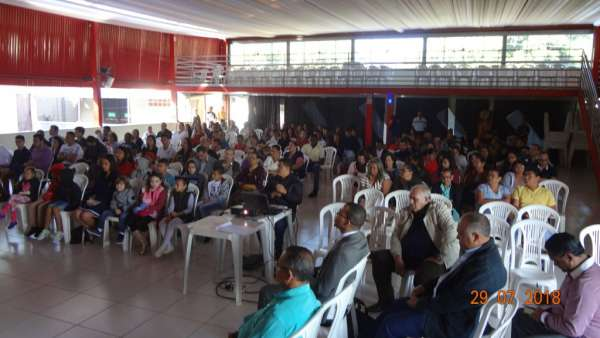 Cultos de Batismo da Igreja Cristã Maranata - galerias/4590/thumbs/01.jpg