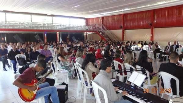 Cultos de Batismo da Igreja Cristã Maranata - galerias/4590/thumbs/02.jpg