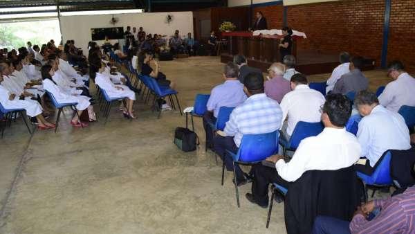 Cultos de Batismo da Igreja Cristã Maranata - galerias/4590/thumbs/13.jpg