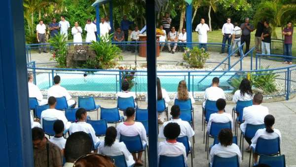 Cultos de Batismo da Igreja Cristã Maranata - galerias/4590/thumbs/22.jpg