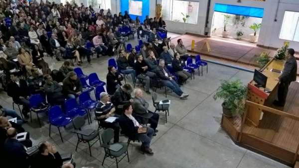 Reunião de Pastores, Ungidos, Pais e Professores - Maanaim de Maringá - PR - galerias/4592/thumbs/01.jpg