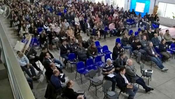 Reunião de Pastores, Ungidos, Pais e Professores - Maanaim de Maringá - PR - galerias/4592/thumbs/02.jpg