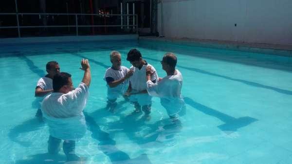 Batismos Igreja Cristã Maranata - 1ª semana de Novembro 2018 - galerias/4689/thumbs/05.jpg