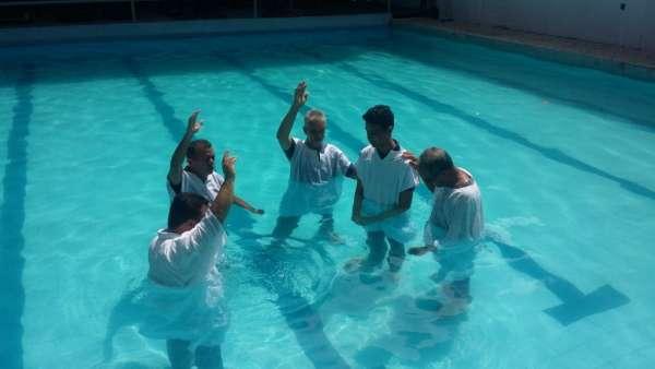 Batismos Igreja Cristã Maranata - 1ª semana de Novembro 2018 - galerias/4689/thumbs/06.jpg