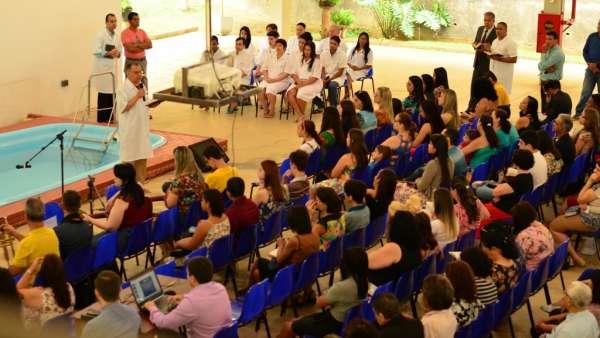Batismos Igreja Cristã Maranata - 1ª semana de Novembro 2018 - galerias/4689/thumbs/16.jpg