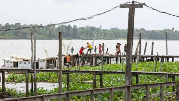6ª Missão Amazônia - Dia 2 - galerias/4702/thumbs/vila-capinal-7-2.jpg