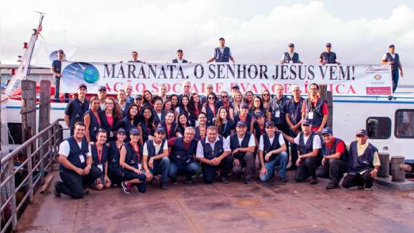 Culto de Encerramento da 6ª Missão Amazônia - galerias/4714/thumbs/encerramento-09.jpg