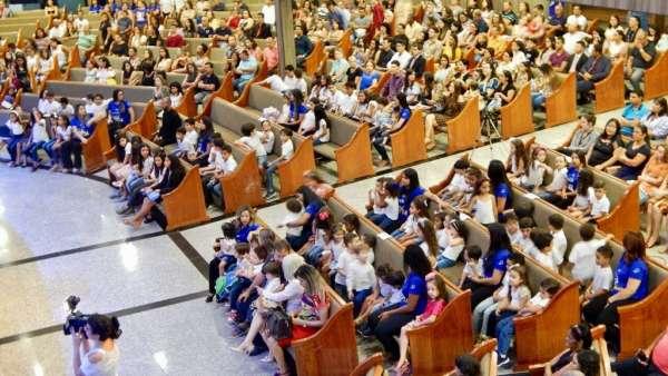 Culto Especial no Colégio Rubia Coelho - Governador Valadares (MG) - galerias/4716/thumbs/03governadorvaladares2311.jpg