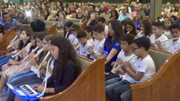 Culto Especial no Colégio Rubia Coelho - Governador Valadares (MG) - galerias/4716/thumbs/05governadorvaladares2311.jpg