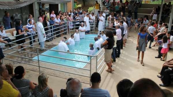 Batismos da Igreja Cristã Maranata - Novembro 2018 - galerias/4725/thumbs/04.jpg