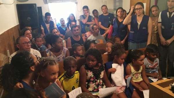 Evangelização - Comunidades da Rocinha e Parque da Cidade (RJ) - galerias/4756/thumbs/08rocinha.jpeg