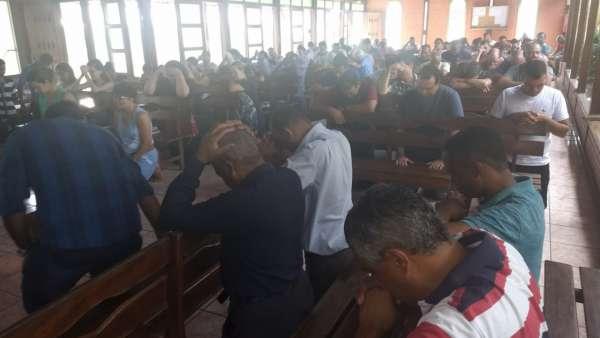 Reunião de Obreiros e Batismo - Feira de Santana (BA) - galerias/4783/thumbs/02reconcavofeiradesantana.jpeg