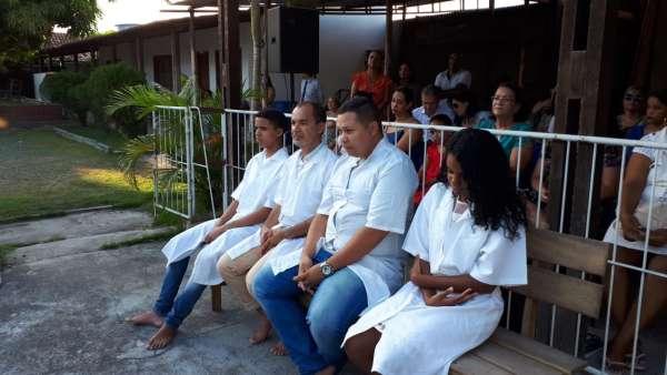 Reunião de Obreiros e Batismo - Feira de Santana (BA) - galerias/4783/thumbs/08batismo.jpeg