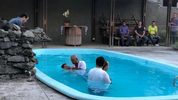 Reunião de Obreiros e Batismo - Feira de Santana (BA) - galerias/4783/thumbs/09batismo.jpeg