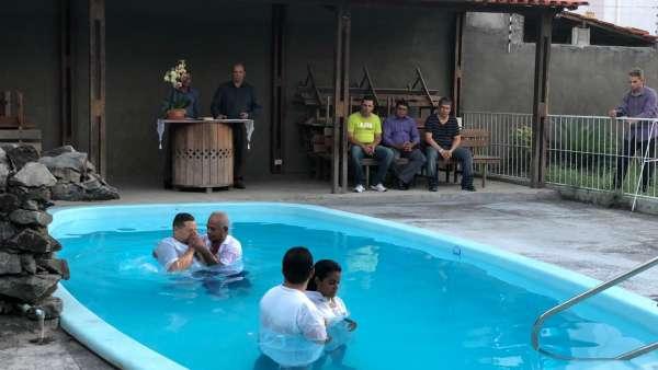 Reunião de Obreiros e Batismo - Feira de Santana (BA) - galerias/4783/thumbs/10batismo.jpeg