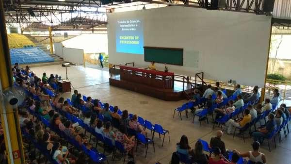 Encontro com Professores da Região de Cariacica (ES) - galerias/4790/thumbs/01professorascariacica.jpg