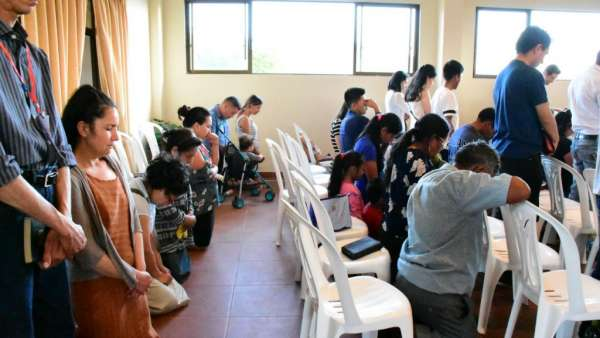 Seminário e Batismo na Bolívia  - galerias/4799/thumbs/02semináriobolívia.jpg