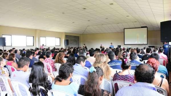 Seminário e Batismo na Bolívia  - galerias/4799/thumbs/03semináriobolívia.jpg