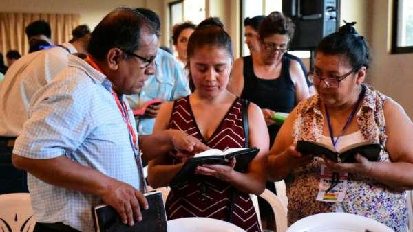 Seminário e Batismo na Bolívia  - galerias/4799/thumbs/04semináriobolívia.jpg