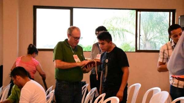 Seminário e Batismo na Bolívia  - galerias/4799/thumbs/05semináriobolívi.jpg