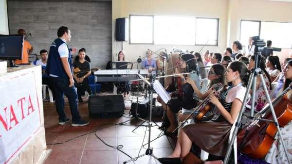 Seminário e Batismo na Bolívia  - galerias/4799/thumbs/06semináriobolívia.jpg