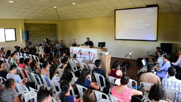 Seminário e Batismo na Bolívia  - galerias/4799/thumbs/08semináriobolívia.jpg