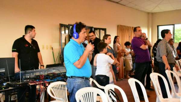 Seminário e Batismo na Bolívia  - galerias/4799/thumbs/09semináriobolívia.jpg