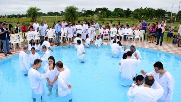 Seminário e Batismo na Bolívia  - galerias/4799/thumbs/25batismobolivia.jpeg
