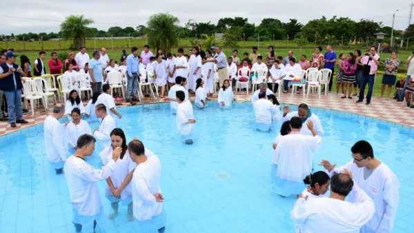 Seminário e Batismo na Bolívia  - galerias/4799/thumbs/25batismobolivia.jpg