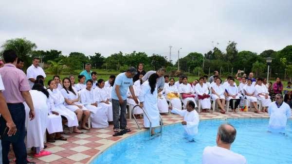 Seminário e Batismo na Bolívia  - galerias/4799/thumbs/28batismobolivia.jpg