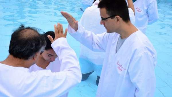 Seminário e Batismo na Bolívia  - galerias/4799/thumbs/29batismobolivia.jpg