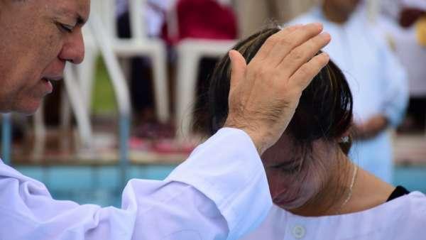 Seminário e Batismo na Bolívia  - galerias/4799/thumbs/30batismobolivia.jpg