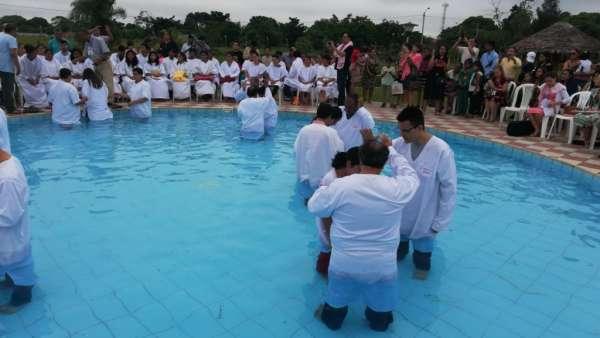 Seminário e Batismo na Bolívia  - galerias/4799/thumbs/31batismobolivia.jpg