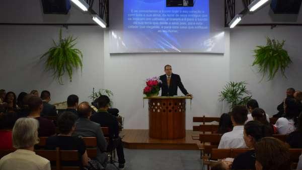 Consagração de templo no Bairro Sitio Cercado - Curitiba (PR) - galerias/4802/thumbs/formatfactory12.jpg