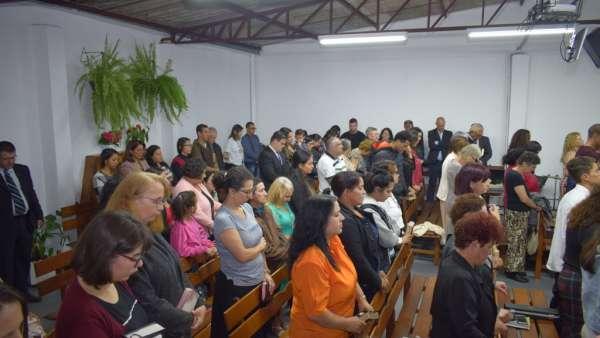 Consagração de templo no Bairro Sitio Cercado - Curitiba (PR) - galerias/4802/thumbs/formatfactory21-2.jpg