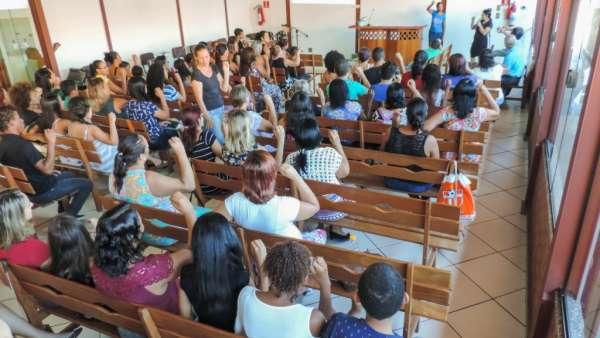 Oficina de Libras em Piabetá, Magé - RJ - galerias/4808/thumbs/02piabeta.jpg