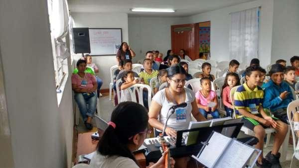 Seminário de março com as classes de crianças a adolescentes no Exterior - galerias/4816/thumbs/02medellin.jpeg