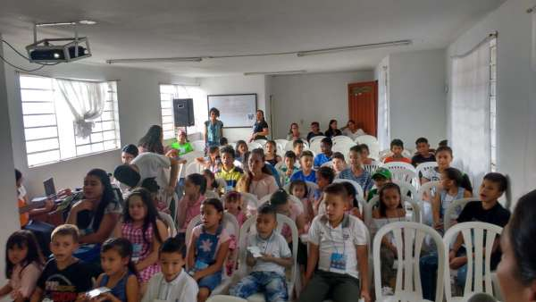 Seminário de março com as classes de crianças a adolescentes no Exterior - galerias/4816/thumbs/03medellin.jpeg