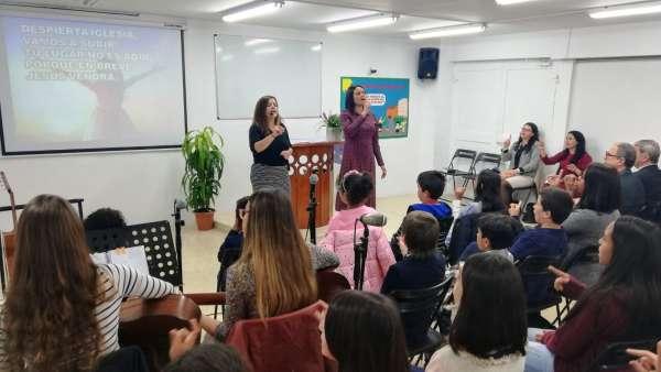 Seminário de março com as classes de crianças a adolescentes no Exterior - galerias/4816/thumbs/43barcelona.jpeg