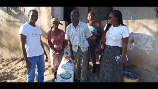 Membros da ICM de Beira recebem doações de irmãos de Maputo, Mocambique - galerias/4821/thumbs/whatsapp-image-2019-03-26-at-182325.jpeg