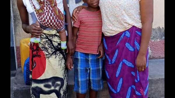 Membros da ICM de Beira recebem doações de irmãos de Maputo, Mocambique - galerias/4821/thumbs/whatsapp-image-2019-03-28-at-123117.jpeg