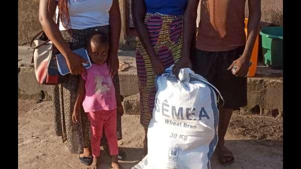 Membros da ICM de Beira recebem doações de irmãos de Maputo, Mocambique - galerias/4821/thumbs/whatsapp-image-2019-03-28-at-123118-2.jpeg