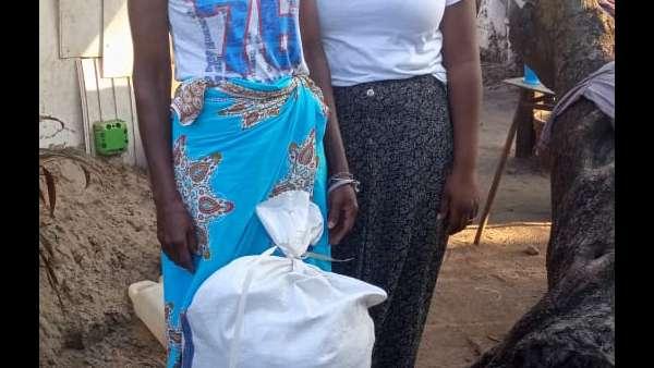 Membros da ICM de Beira recebem doações de irmãos de Maputo, Mocambique - galerias/4821/thumbs/whatsapp-image-2019-03-28-at-123118.jpeg