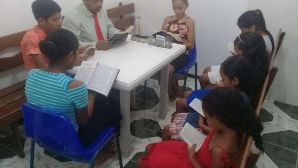 Assistência educacional em Breves e Melgaço - PA - galerias/4825/thumbs/04alfabetização.jpg