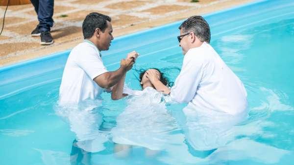 Culto de Batismo em Águas Claras - DF - galerias/4827/thumbs/formatfactoryimg5720.jpg