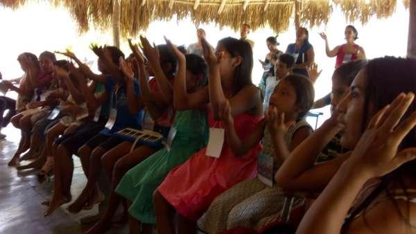 Assistência em Aldeias Indígenas de Roraima - galerias/4828/thumbs/03aleluia.jpg