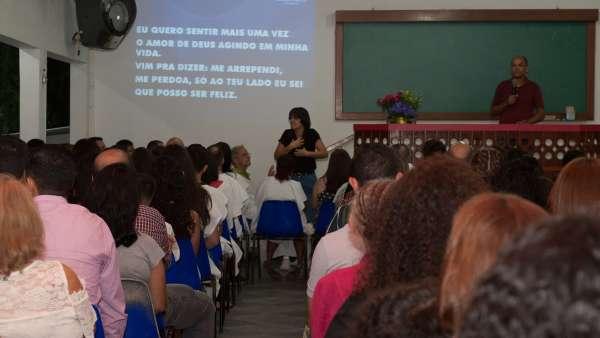 Batismo e Ceia no Maanaim de Vale do Paraíba, SP - galerias/4835/thumbs/03.jpg
