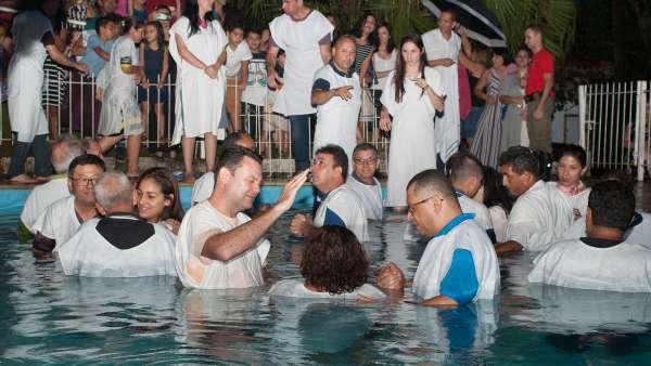 Batismo e Ceia no Maanaim de Vale do Paraíba, SP - galerias/4835/thumbs/04.jpg